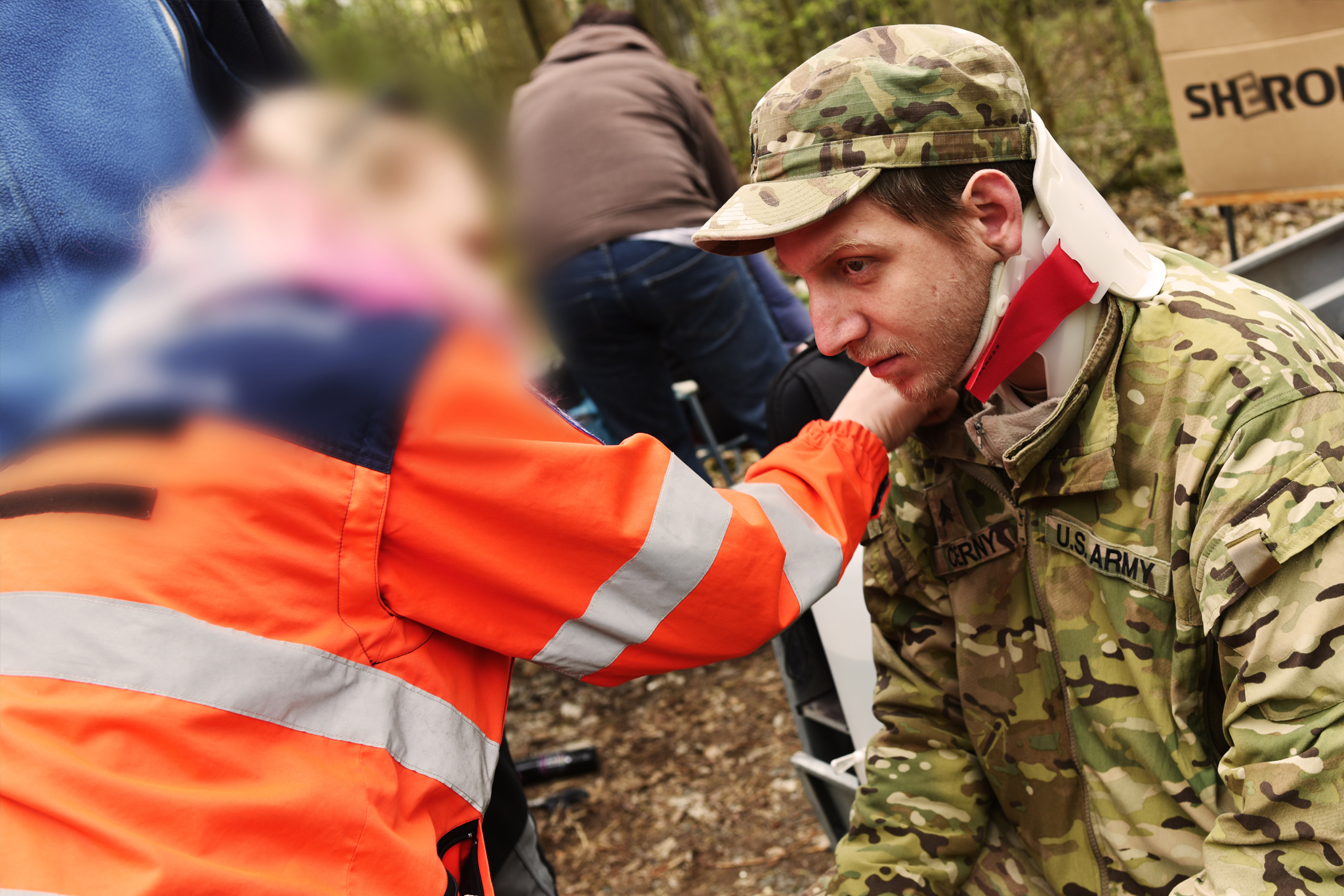 Tohle není skutečné zranění. Podporujeme totiž výcvik záchranářů a děláme pro ně figuranty