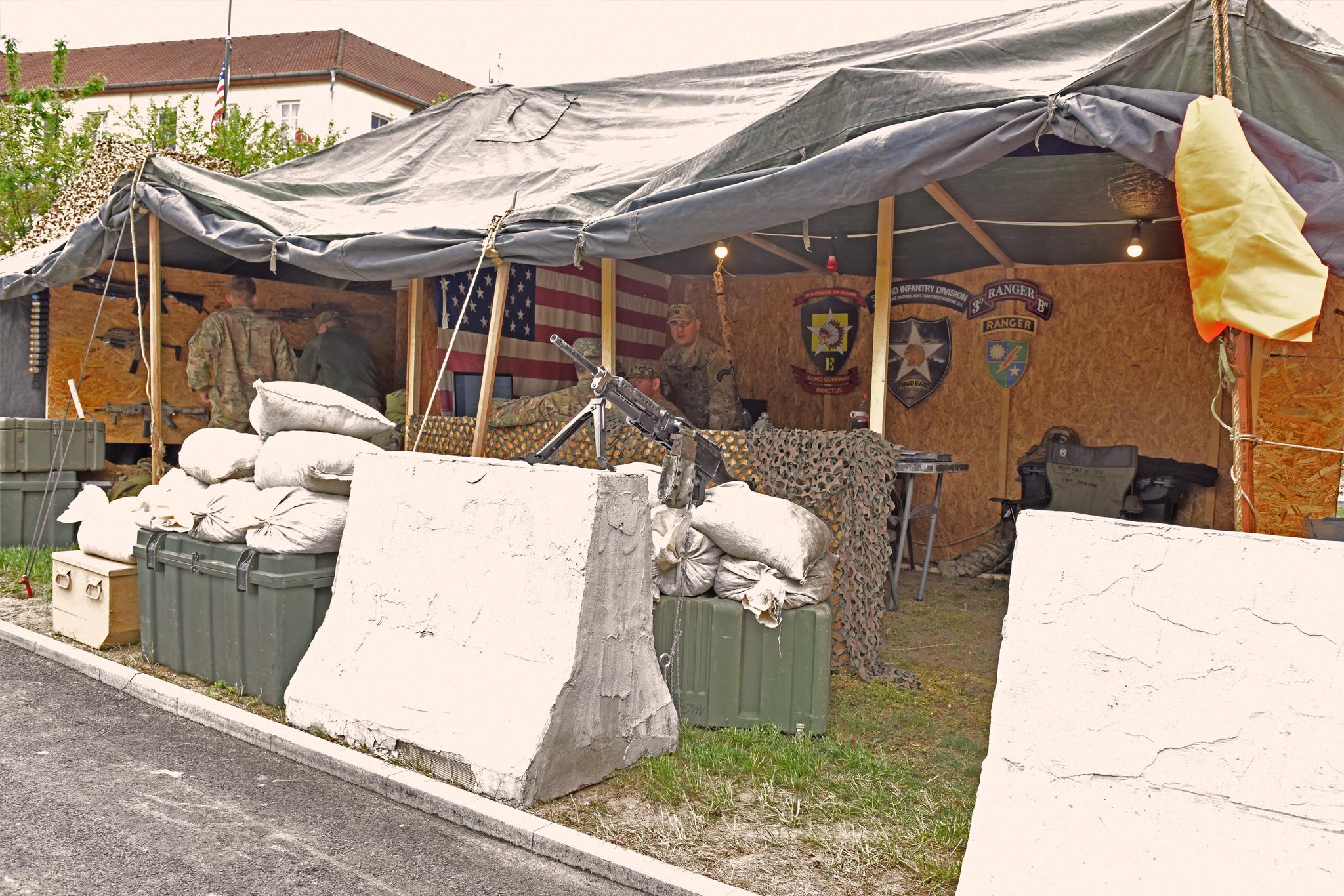 Velitelská místnost v rámci Checkpoint Raiders